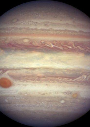 Científicos hallan más lunas a Júpiter, en total van 79